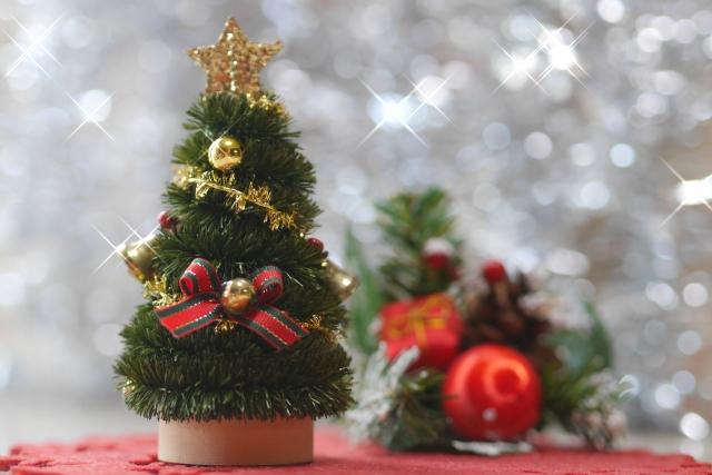 クリスマスツリー いつから 飾る