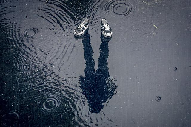 雨 靴 臭い